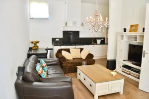 Bekijk appartement te huur in Den Haag Zuidwal, € 1595, 92m2 - 376489. Geïnteresseerd? Bekijk dan deze appartement en laat een bericht achter!