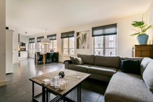 Bekijk appartement te huur in Den Bosch Mgr. Prinsenstraat, € 1650, 148m2 - 388434. Geïnteresseerd? Bekijk dan deze appartement en laat een bericht achter!