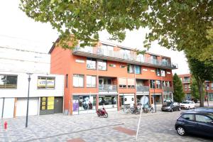 Bekijk appartement te huur in Leiden Robijnstraat: Ruim appartement in het Leiden - € 1295, 75m2 - 351484