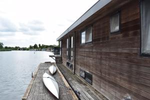 Bekijk woning te huur in Weesp L. Klompweg, € 1800, 170m2 - 349056. Geïnteresseerd? Bekijk dan deze woning en laat een bericht achter!