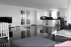 Bekijk appartement te huur in Enschede Roomweg, € 1750, 180m2 - 305920. Geïnteresseerd? Bekijk dan deze appartement en laat een bericht achter!