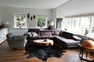 Bekijk woning te huur in Enschede P. Broekheurne, € 1950, 204m2 - 343601. Geïnteresseerd? Bekijk dan deze woning en laat een bericht achter!