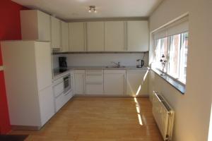 Bekijk appartement te huur in Utrecht Hartingstraat, € 1715, 100m2 - 378733. Geïnteresseerd? Bekijk dan deze appartement en laat een bericht achter!