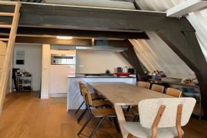 Bekijk appartement te huur in Amsterdam Barndesteeg, € 1550, 60m2 - 372351. Geïnteresseerd? Bekijk dan deze appartement en laat een bericht achter!
