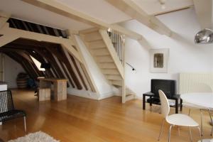 Bekijk woning te huur in Amsterdam Rokin, € 1850, 110m2 - 346274. Geïnteresseerd? Bekijk dan deze woning en laat een bericht achter!
