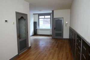 View house for rent in Almelo Rohofstraat, € 900, 90m2 - 380191. Interested? check out this house and leave a message!