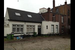 Bekijk kamer te huur in Tilburg Wilhelminapark, € 300, 13m2 - 323748. Geïnteresseerd? Bekijk dan deze kamer en laat een bericht achter!