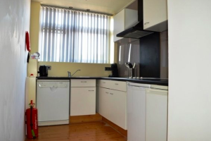View house for rent in Rozenburg Zh Beukenlaan, € 1800, 110m2 - 379612. Interested? check out this house and leave a message!