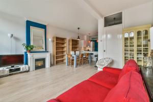 Bekijk appartement te huur in Amsterdam Ceintuurbaan, € 1650, 70m2 - 395055. Geïnteresseerd? Bekijk dan deze appartement en laat een bericht achter!
