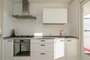 Bekijk appartement te huur in Rotterdam Zuidplein, € 1500, 85m2 - 383642. Geïnteresseerd? Bekijk dan deze appartement en laat een bericht achter!