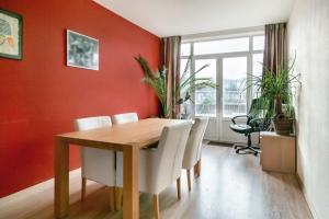 Bekijk appartement te huur in Den Haag De La Reyweg, € 1495, 86m2 - 394468. Geïnteresseerd? Bekijk dan deze appartement en laat een bericht achter!