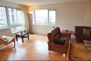 Bekijk woning te huur in Amsterdam Rondeel: Licht en ruim hoek appartement - € 1725, 100m2 - 333402