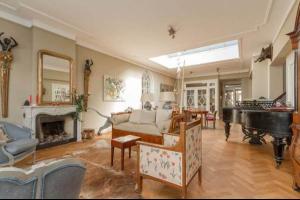Bekijk woning te huur in Den Haag Sumatrastraat, € 3800, 165m2 - 310299. Geïnteresseerd? Bekijk dan deze woning en laat een bericht achter!