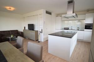 Bekijk kamer te huur in Amsterdam Klaroenstraat, € 900, 78m2 - 386556. Geïnteresseerd? Bekijk dan deze kamer en laat een bericht achter!