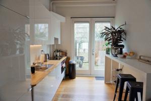 Bekijk appartement te huur in Utrecht W. Barentszstraat, € 1725, 90m2 - 358353. Geïnteresseerd? Bekijk dan deze appartement en laat een bericht achter!
