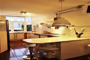 Bekijk appartement te huur in Den Haag Joseph Ledelstraat, € 1600, 85m2 - 375434. Geïnteresseerd? Bekijk dan deze appartement en laat een bericht achter!