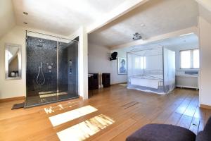 Bekijk woning te huur in Tilburg Ringbaan-Oost, € 1050, 90m2 - 354960. Geïnteresseerd? Bekijk dan deze woning en laat een bericht achter!