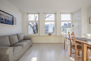 Bekijk appartement te huur in Amsterdam Anjeliersstraat, € 1500, 45m2 - 366102. Geïnteresseerd? Bekijk dan deze appartement en laat een bericht achter!