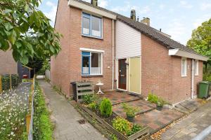 Bekijk woning te huur in Rotterdam Rolklaver, € 875, 85m2 - 376896. Geïnteresseerd? Bekijk dan deze woning en laat een bericht achter!