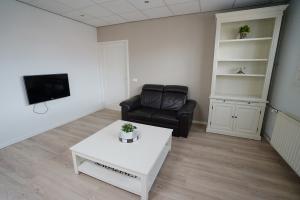 Bekijk appartement te huur in Eindhoven Veldmaarschalk Montgomerylaan, € 1200, 52m2 - 386435. Geïnteresseerd? Bekijk dan deze appartement en laat een bericht achter!