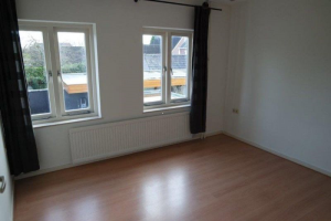 View house for rent in Veldhoven Meester Rijkenstraat, € 1250, 120m2 - 393483. Interested? check out this house and leave a message!
