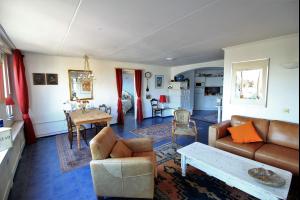 Bekijk appartement te huur in Uithoorn Stationsstraat: Apartment - € 1300, 100m2 - 327840