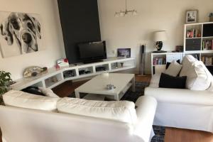 Bekijk appartement te huur in Den Haag Willem van Outhoornstraat, € 1400, 90m2 - 375968. Geïnteresseerd? Bekijk dan deze appartement en laat een bericht achter!