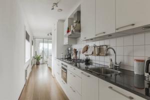 Bekijk appartement te huur in Amsterdam Mezquitalaan, € 1750, 100m2 - 393442. Geïnteresseerd? Bekijk dan deze appartement en laat een bericht achter!