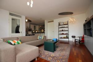 Bekijk appartement te huur in Amsterdam B. Merkelbachsingel: mooi 2 slaapkamer appartement - € 1850, 90m2 - 343616