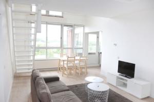 Bekijk appartement te huur in Amsterdam Leusdenhof, € 1850, 98m2 - 373358. Geïnteresseerd? Bekijk dan deze appartement en laat een bericht achter!