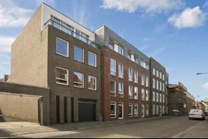 Bekijk appartement te huur in Den Bosch Nieuwstraat: Modern appartement in centrum van Den Bosch - € 1200, 70m2 - 327863