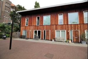 Bekijk woning te huur in Amsterdam Weesperzijde, € 2500, 140m2 - 280564. Geïnteresseerd? Bekijk dan deze woning en laat een bericht achter!