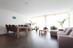Bekijk appartement te huur in Hoofddorp Raadhuisplein, € 1650, 80m2 - 376460. Geïnteresseerd? Bekijk dan deze appartement en laat een bericht achter!