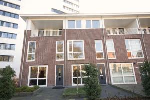 Bekijk appartement te huur in Breda Valkenierslaan, € 1500, 104m2 - 358358. Geïnteresseerd? Bekijk dan deze appartement en laat een bericht achter!
