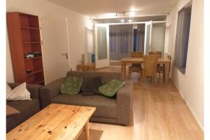 Bekijk appartement te huur in Amsterdam Hertingenstraat, € 1450, 83m2 - 395002. Geïnteresseerd? Bekijk dan deze appartement en laat een bericht achter!