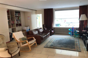 View house for rent in Amstelveen Brantwijk, € 2400, 164m2 - 398248. Interested? check out this house and leave a message!