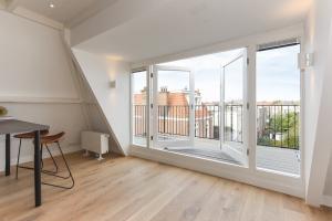 Bekijk appartement te huur in Den Haag Antonie Heinsiusstraat, € 1250, 55m2 - 380146. Geïnteresseerd? Bekijk dan deze appartement en laat een bericht achter!