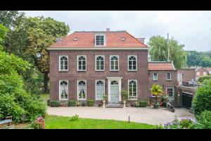 Bekijk appartement te huur in Oud Zuilen Laan van Zuilenveld, € 1750, 158m2 - 326589. Geïnteresseerd? Bekijk dan deze appartement en laat een bericht achter!
