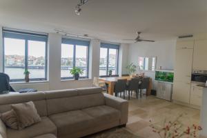 Bekijk appartement te huur in Rotterdam P. Frederikplein, € 1495, 97m2 - 354218. Geïnteresseerd? Bekijk dan deze appartement en laat een bericht achter!