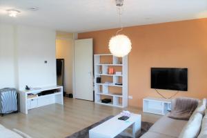 Bekijk appartement te huur in Amsterdam Carolina MacGillavrylaan, € 1700, 79m2 - 367108. Geïnteresseerd? Bekijk dan deze appartement en laat een bericht achter!