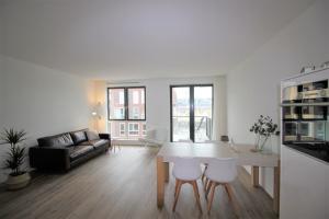 Bekijk appartement te huur in Amsterdam Memeleiland, € 1695, 76m2 - 347039. Geïnteresseerd? Bekijk dan deze appartement en laat een bericht achter!