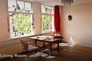 Bekijk appartement te huur in Amsterdam Brouwersgracht, € 1750, 60m2 - 339651. Geïnteresseerd? Bekijk dan deze appartement en laat een bericht achter!