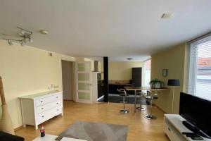 Bekijk appartement te huur in Dordrecht Sledenaarsgang, € 1275, 75m2 - 384359. Geïnteresseerd? Bekijk dan deze appartement en laat een bericht achter!