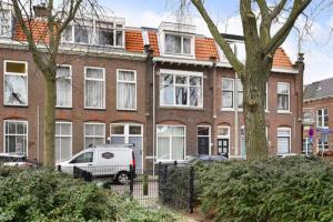 Bekijk woning te huur in Den Haag Van St. Aldegondeplein, € 2000, 120m2 - 386087. Geïnteresseerd? Bekijk dan deze woning en laat een bericht achter!