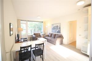 For rent: Apartment Mr. G. Groen van Prinstererlaan, Amstelveen - 1