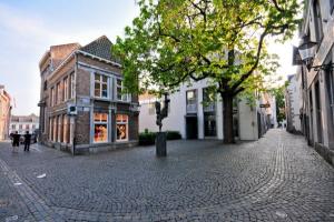 Bekijk appartement te huur in Maastricht Plankstraat, € 1260, 145m2 - 353913. Geïnteresseerd? Bekijk dan deze appartement en laat een bericht achter!