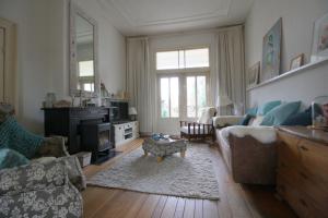Bekijk woning te huur in Lochem Zwiepseweg, € 1495, 188m2 - 387999. Geïnteresseerd? Bekijk dan deze woning en laat een bericht achter!