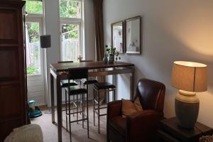 Bekijk woning te huur in Amsterdam Latherusstraat, € 1400, 100m2 - 382180. Geïnteresseerd? Bekijk dan deze woning en laat een bericht achter!