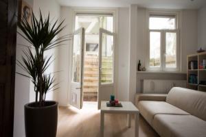 Bekijk appartement te huur in Amsterdam Fannius Scholtenstraat, € 1575, 75m2 - 341613. Geïnteresseerd? Bekijk dan deze appartement en laat een bericht achter!