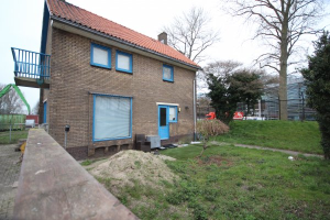 View house for rent in Zwolle Industrieweg, € 995, 140m2 - 362807. Interested? check out this house and leave a message!
